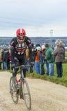 Le barrage de Laurens dix de cycliste - 2016 Paris-gentil Photo stock