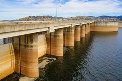 Le barrage de Wyangala chez Wyangala arrose le parc, Australie photo stock