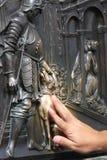 Le bas-allégement sur la passerelle de Charles à Prague Photo stock