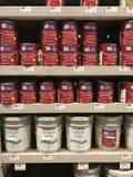 Le bas-côté de peinture d'un magasin de matériel du ` s de Lowe Photos libres de droits