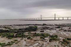 Le bas de forts vents attaché dans l'estuaire severn Photos stock