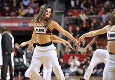 Le basket-ball 2013 des hommes de NCAA - majorette ou danseur Photo libre de droits