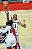 2015 le basket-ball des femmes de NCAA - temple contre l'état du Delaware Image stock