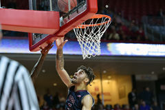2015 le basket-ball des hommes de NCAA - FDU au temple Photos stock