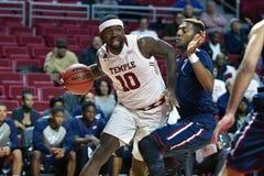 2015 le basket-ball des hommes de NCAA - FDU au temple Image libre de droits