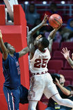 2015 le basket-ball des hommes de NCAA - FDU au temple Photo stock