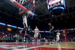 2014 le basket-ball des hommes de NCAA - TEMPLE contre LIU Photos stock