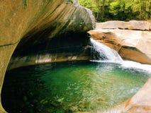 Le bassin dans le parc d'état d'entaille de Franconia photos stock
