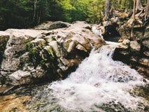 Le bassin dans le parc d'état d'entaille de Franconia photographie stock libre de droits