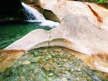 Le bassin dans le parc d'état d'entaille de Franconia photos libres de droits