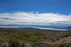 Le bassin mono de lac donnent sur - la Californie - les Etats-Unis Photos stock