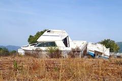 le bateau a été détruit et abandonné après un ouragan Photographie stock
