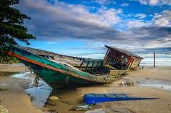 Le bateau abandonné Photographie stock