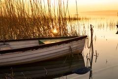 Le bateau accouplé sur le Lac Balaton Images libres de droits