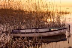 Le bateau accouplé sur le Lac Balaton Photos stock