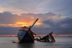 Le bateau détruit, Thaïlande Photos libres de droits