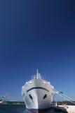 Le bateau dans le port Image libre de droits