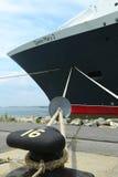 Le bateau de croisière de Queen Mary 2 s'est accouplé sur le terminal de croisière de Brooklyn Photos stock