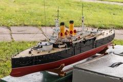 Le bateau de modèle d'échelle de RC aux championnats du monde classent NS NAVIGA Photographie stock libre de droits