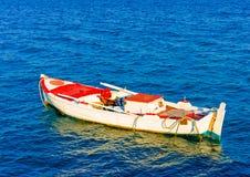 Le bateau de pêche Images stock