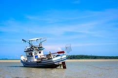 Le bateau de pêche chez la Thaïlande Image stock