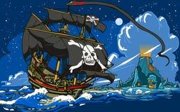 Le bateau de pirate naviguant à Skull Island Photos libres de droits