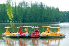 Le bateau du lac Photo stock