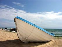 Le bateau du pêcheur images libres de droits