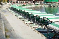 Le bateau en parc image stock