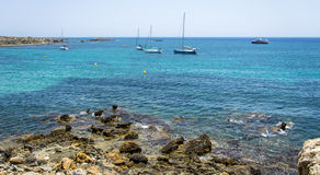 Le bateau et la mer Photo stock
