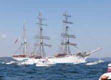 Le bateau grand emballe Bergen Photo libre de droits