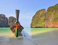Le bateau indigène pour des touristes Photos libres de droits