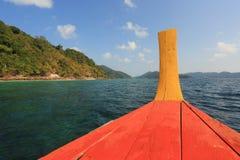 Le bateau sur la mer Images libres de droits