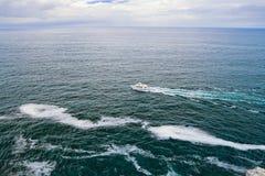 Le bateau va à la mer, la Bretagne Images libres de droits
