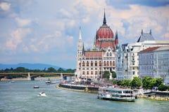 Le beau bâtiment du bâtiment hongrois du Parlement de Budapest Photos libres de droits
