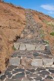 Le beau chemin de traînée de montagne près de Pico font Arieiro sur l'île de la Madère, Portugal Image stock