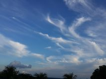 Le beau ciel bleu image libre de droits