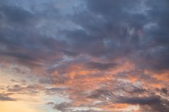 Le beau ciel d'or Image stock