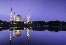 Le beau de Shah Alam Mosque Images stock