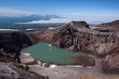 Le beau lac de cratère en cratère de Gorely Volcano's image libre de droits