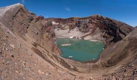 Le beau lac de cratère en cratère de Gorely Volcano's photographie stock