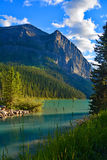Le beau Lake Louise dans Alberta, Canada Photos stock