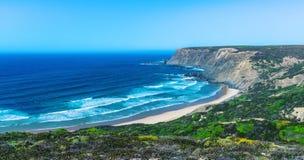 Le beau littoral de l'Algarve Photographie stock libre de droits