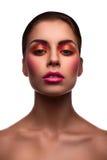 Le beau mannequin avec les lèvres roses et rougissent et eyel brillant Images stock