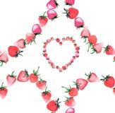 Le bel anneau sensible aiment le coeur du strawberrie rouge juteux mûr Images libres de droits