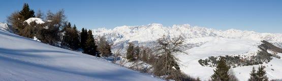 le bel hiver de montagne d'horizontal Photographie stock libre de droits