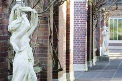 Le belle statue della donna fotografie stock libere da diritti