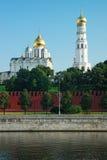 Le belltower de l'Ivan la grande et Archangelic cathédrale de Photo libre de droits