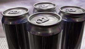 Le bevande vuote possono fotografia stock libera da diritti