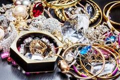 Le bijou de femmes à la mode Image libre de droits